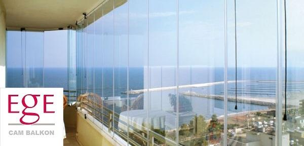 bayraklı cam balkon