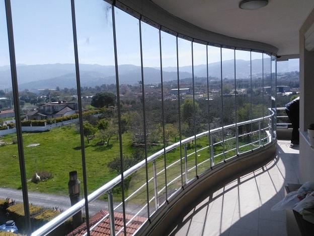 yuvarlak cam balkon