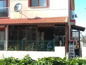ahşap desen cam balkon uygulaması
